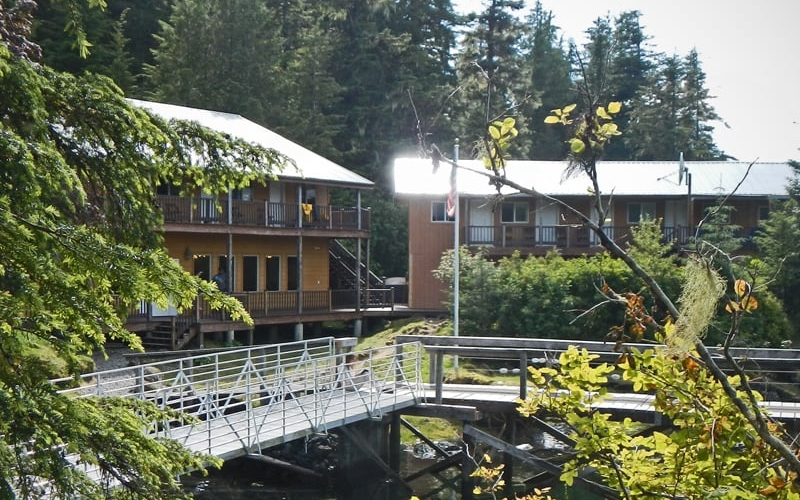 southeast alaska fishing lodge